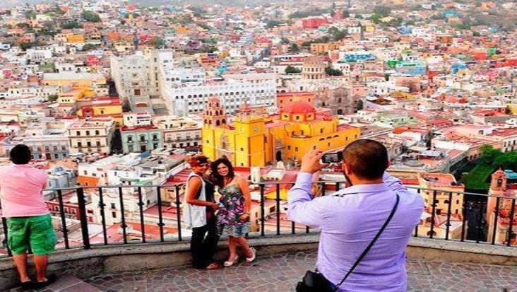 Dejan turistas a México 12% de lo captado en junio de 2019
