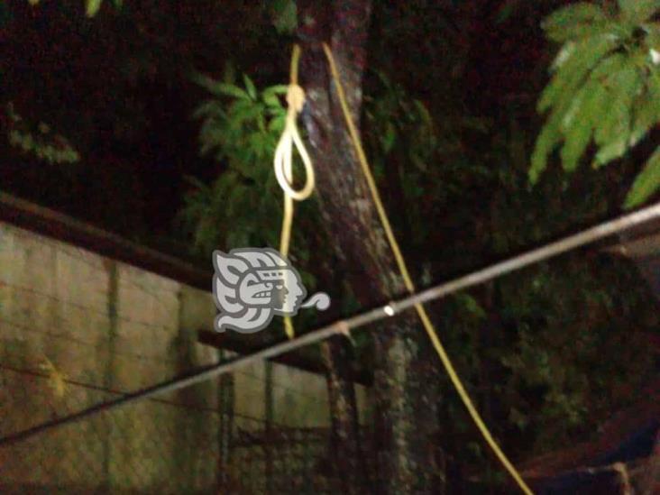 En Jáltipan, joven de 15 años se suicida colgándose de un techo
