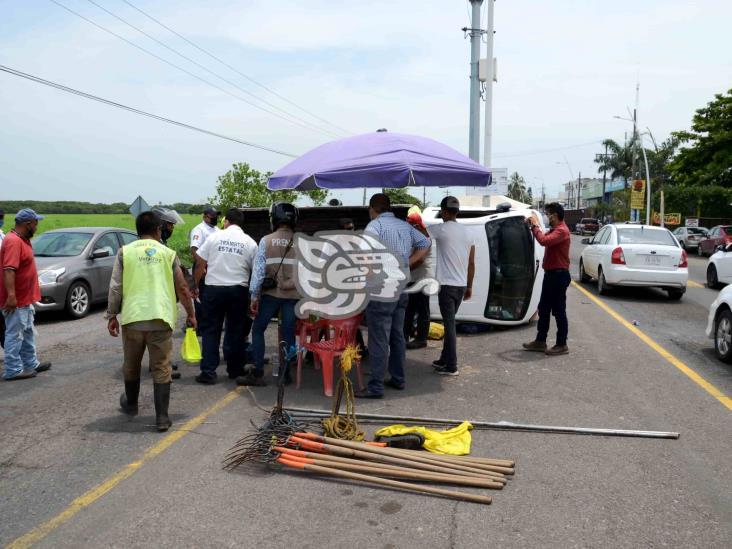 Cinco lesionados deja volcadura en carretera Veracruz-Medellín
