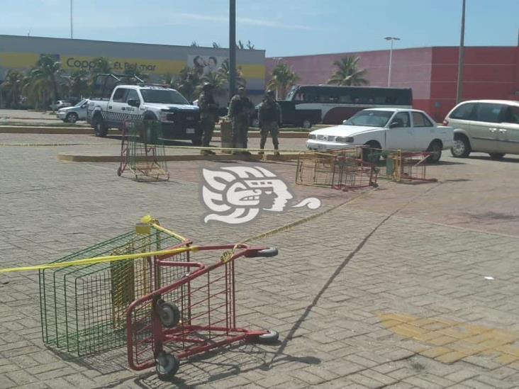 Fallece ciudadano baleado en estacionamiento de centro comercial