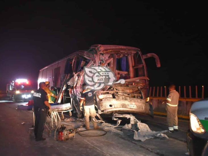Choque de autobús deja 7 personas heridas en tramo Isla-Acayucan