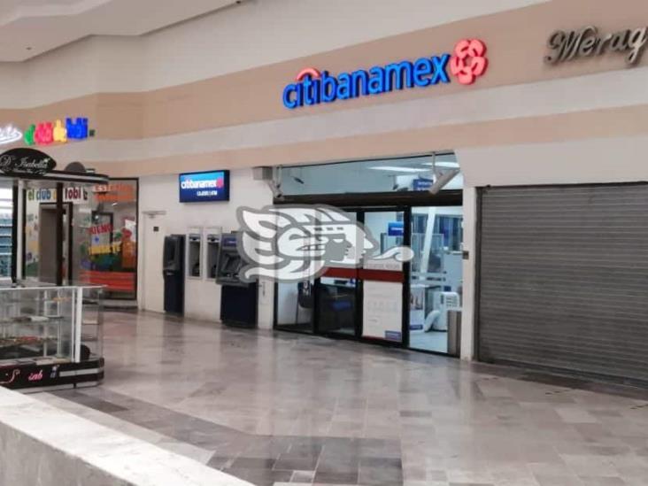 Consuman asalto en sucursal Banamex en centro comercial de Coatzacoalcos
