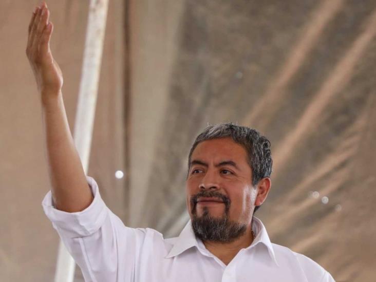 Bloquea UIF cuentas de líder de 50 sindicatos