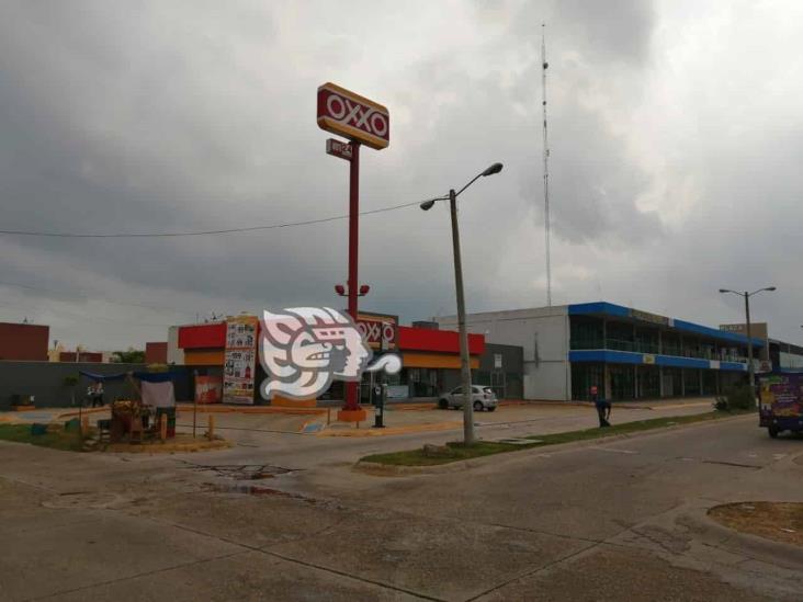 Continúan asaltos a tiendas Oxxos en Coatzacoalcos