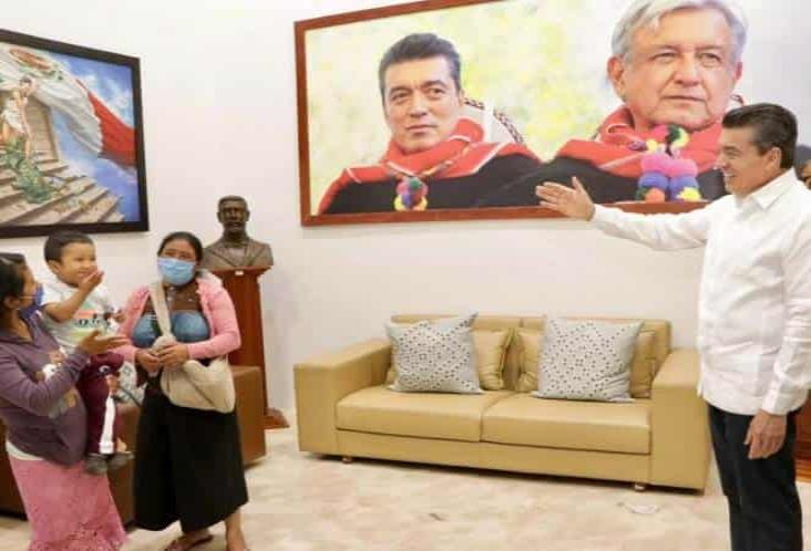 Gobernador de Chiapas se reúne con el pequeño Dylan y su familia