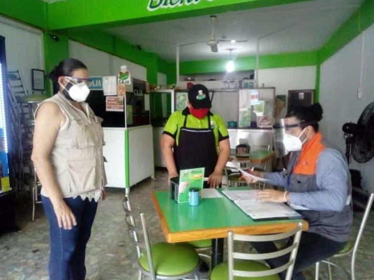 Monitorean medidas sanitarias en comercios y transporte de Minatitlán
