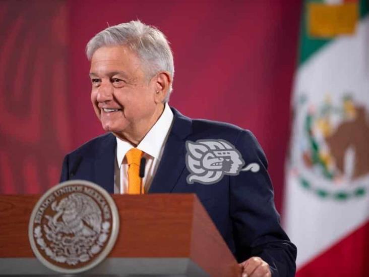 AMLO: Gracias a una beca logré ser presidente