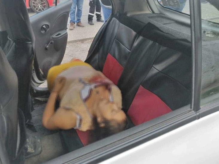 Muere mujer dentro de taxi en Poza Rica
