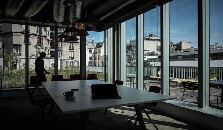 Impondrá Francia el uso obligatorio de cubrebocas en las empresas