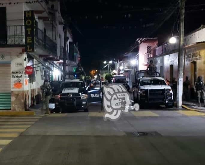 Detienen GN y Sedena al titular de la Policía Municipal de Paso del Macho