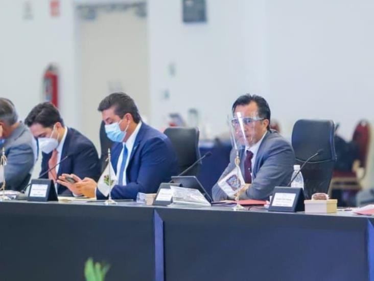 En reunión de Conago defiende Cuitláhuac el Pacto Federal