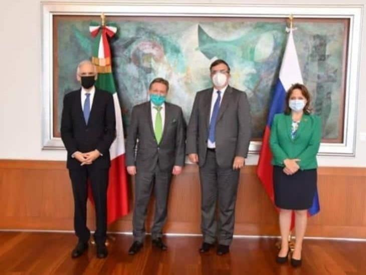 México probará ensayos de fase 3 de vacuna rusa en octubre: Ebrard