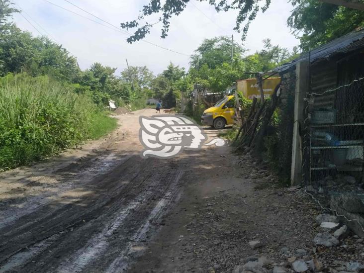 Entre amenazas, sobreviven familias en área invadida a Pemex en Poza Rica