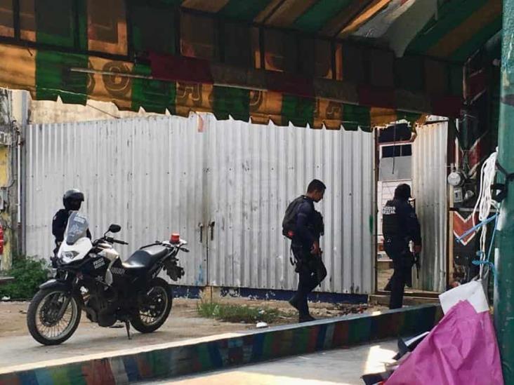 Los detienen mientras descargaban mercancía robada en Cosolea