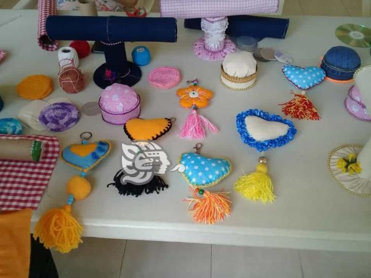 Con venta de artesanías brindarán alimentos a personas de bajos recursos