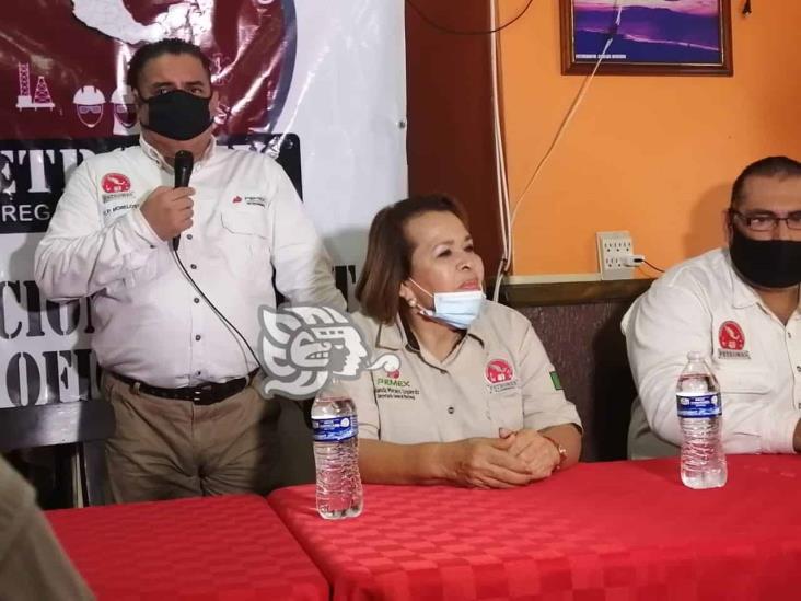 Intentan destituir a secretaria  por descubrir corrupción en venta de plazas en Pemex