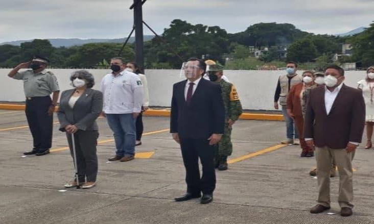 Rinde Gobierno de Veracruz, minuto de silencio por víctimas de coronavirus