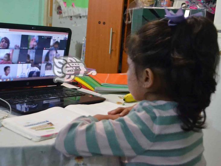 Entre tumbos inicia ciclo escolar virtual en Orizaba