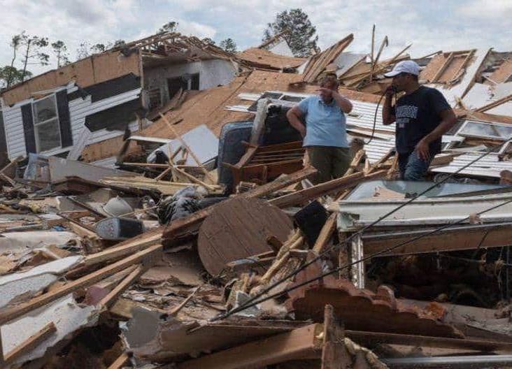 Muere primer víctima del huracán Laura en EU; tenía 14 años