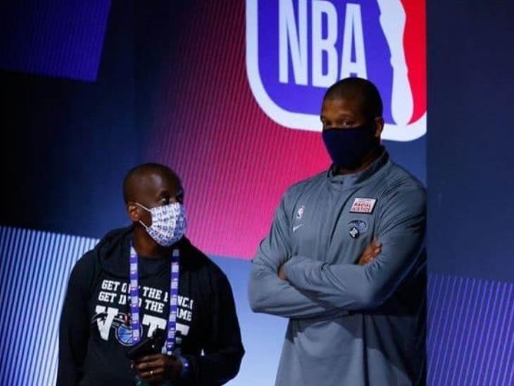 Jugadores de NBA reanudarán los playoffs tras boicot