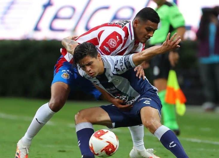 Pachuca consigue un empate a cero frente a Chivas