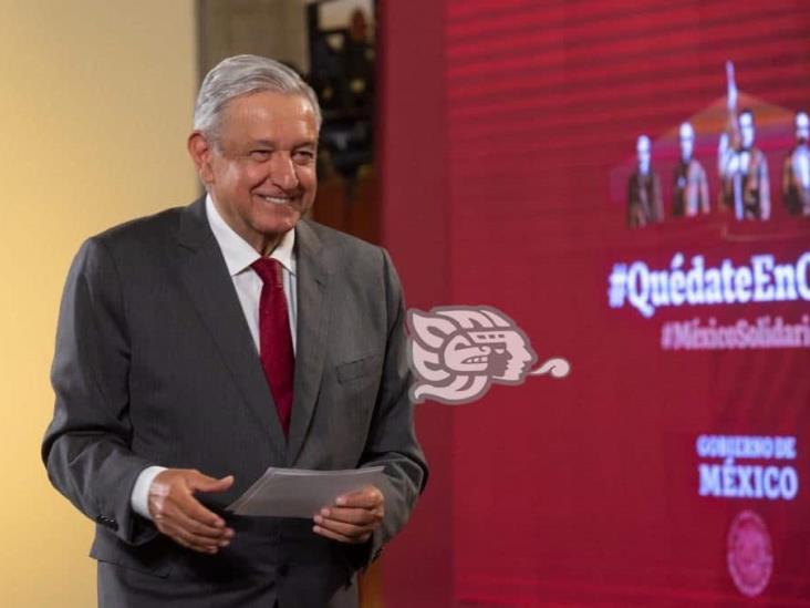 Encuesta del Reforma sobre disminución de aprobación está cuchareada: AMLO