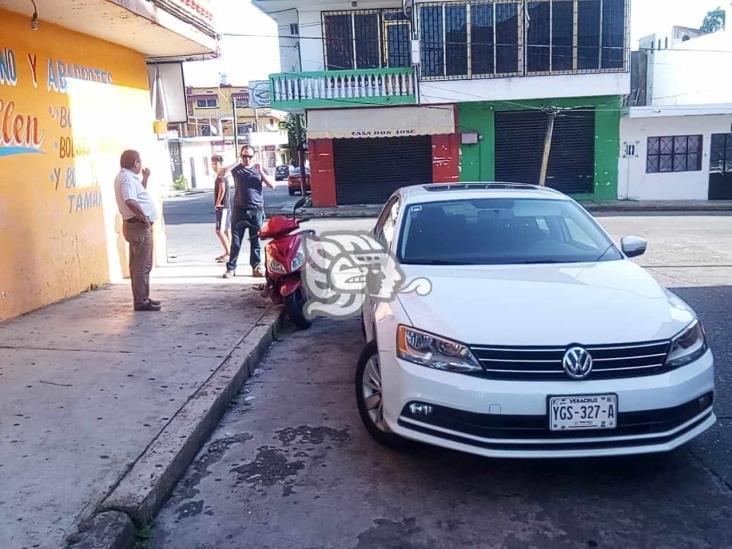Caos vial en el centro de Acayucan por un par de choques