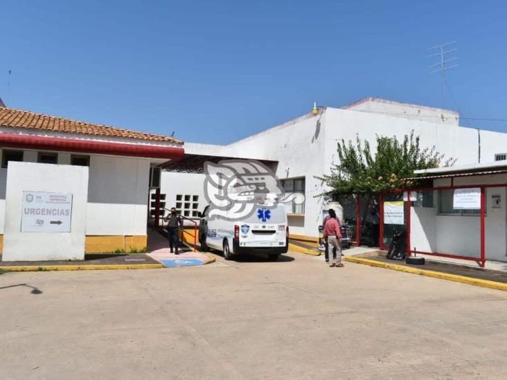 Abuelita fallece mientras esperaba atención en el Hospital de Oluta