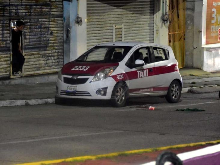 De dos balazos hieren a taxista en avenida de Coatzacoalcos