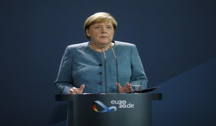 Merkel exige a Rusia explicar envenenamiento de Navalny