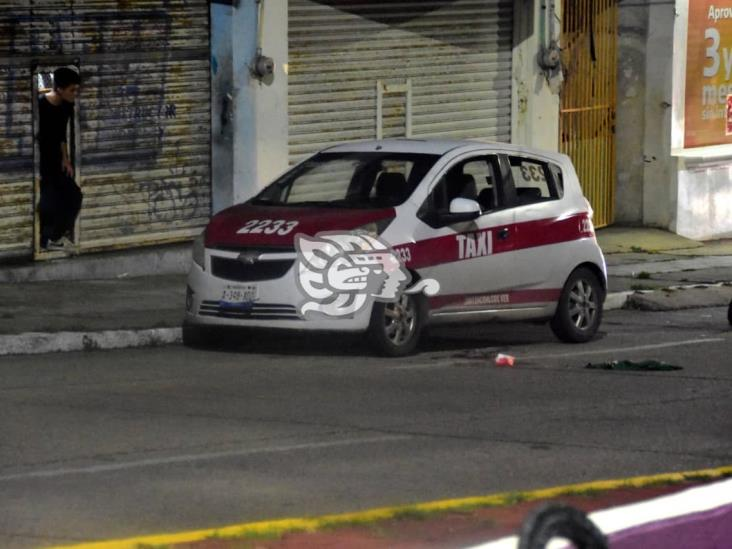 Reportan grave a taxista baleado en Coatzacoalcos; FGE investiga