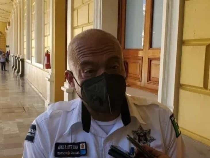 Detienen a delegado de Tránsito en Orizaba por golpear a una mujer