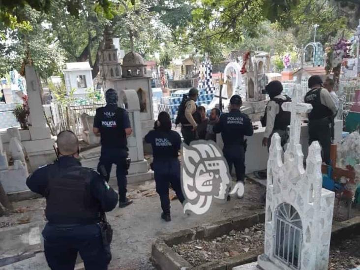 Detienen a 3 por disparar durante sepelio en Cuitláhuac