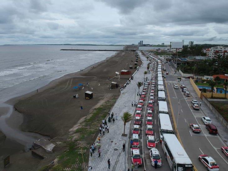 Desinfectan transporte público en zona conurbada de Veracruz