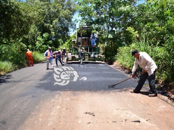 Un avance del 90% presenta el asfaltado de la carretera el Encinal-Ejido la Bomba