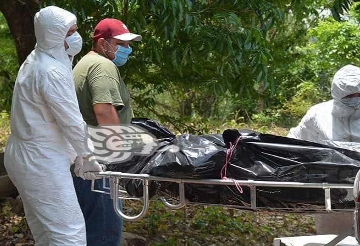 Camioneta cayó de un puente; mueren cuatro de sus ocupantes