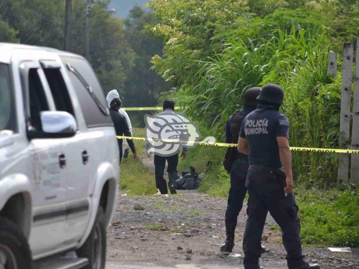 Hallan dos cuerpos desmembrados en Coscomatepec