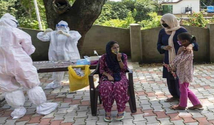 India, epicentro de la pandemia; en un día, más de 90 mil casos