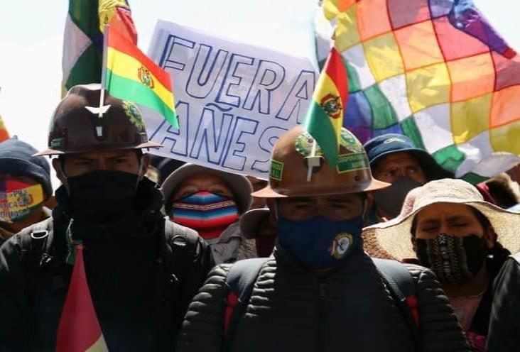 Candidatos relanzan campañas por la presidencia de Bolivia