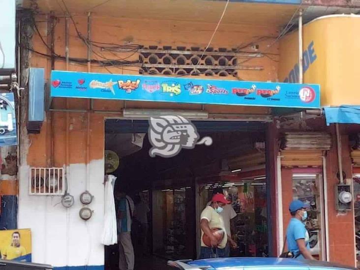 Consuman cortinazos en múltiples negocios de Acayucan