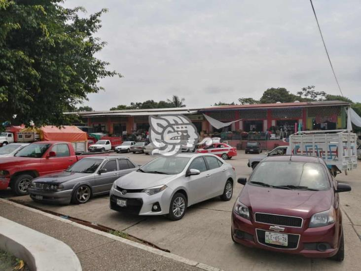 Drástica caída de ventas en la Central de Abastos de Minatitlán