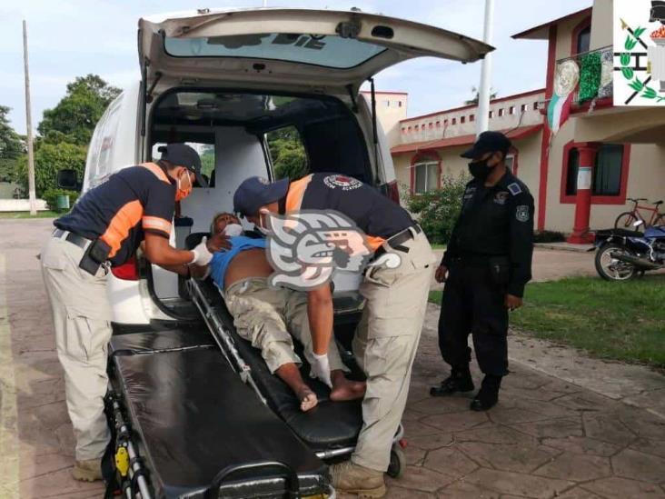 Auxilia PC y DIF a dos hombres en situación de abandono en Acayucan