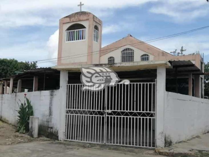 Se llevan equipo de sonido en parroquia de Minatitlán
