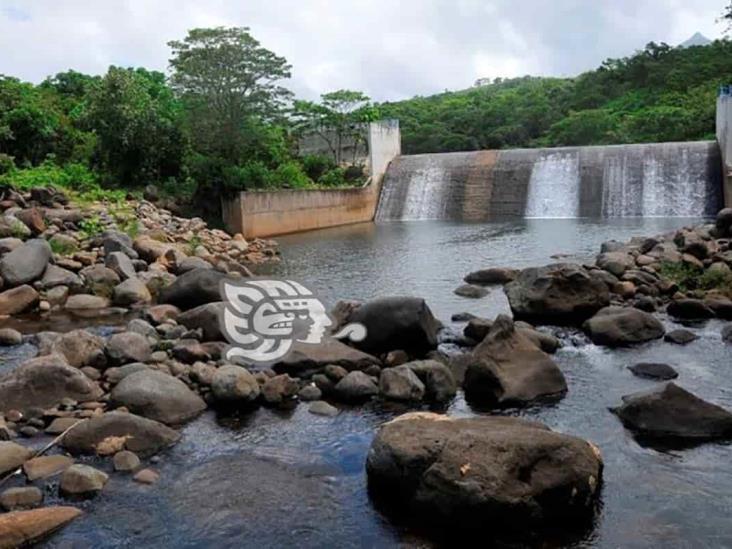 ¡A almacenar agua!, cierran presa Yuribia por turbiedad