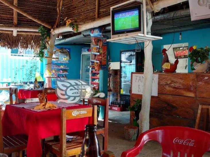 Reabren cinema y bares en Acayucan