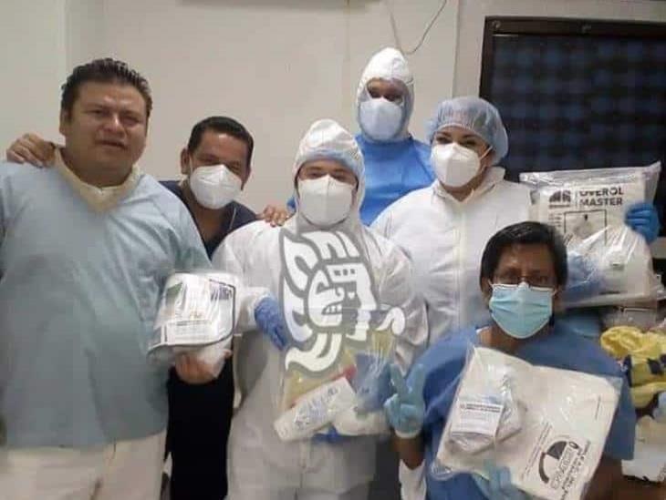 Donan equipo de protección a personal del Hospital de Coatzacoalcos