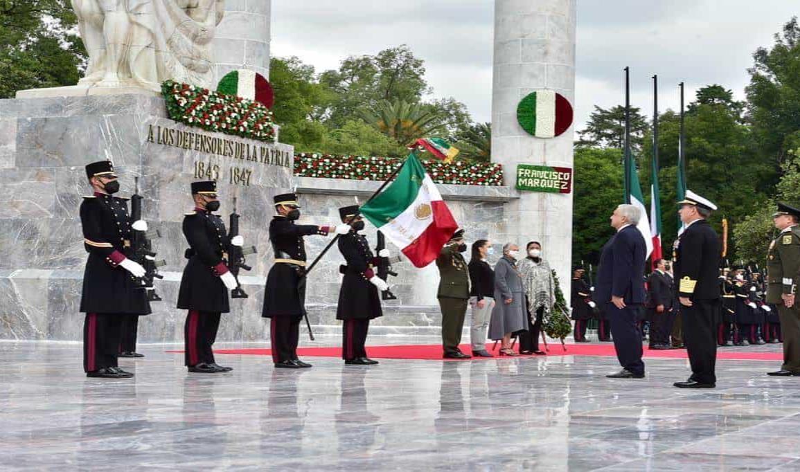 Encabeza AMLO ceremonia por Gesta Heroica de los Niños Héroes