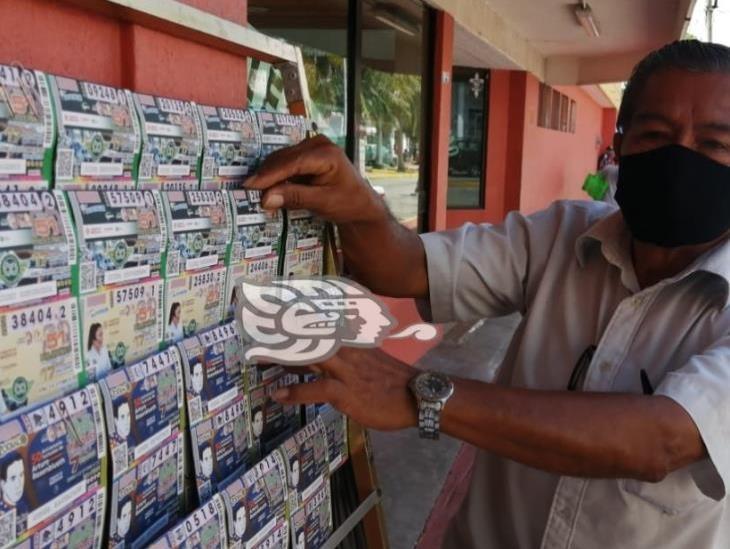 Se agotan billetes de Lotería Nacional para el sorteo del avión presidencial