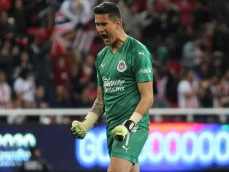 Raúl Gudiño podría ser titular en el Clásico Nacional