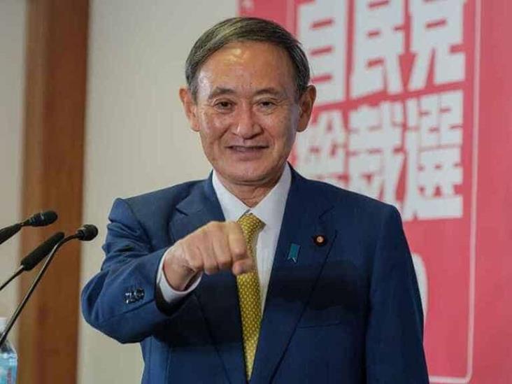 Asume Yoshihide Suga como primer ministro de Japón